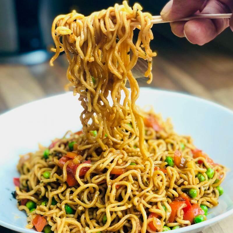 Selbstfürsorge Mie-Noodle-Salat